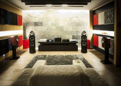 Cajas acústicas y estereofonía: la crítica ubicación
