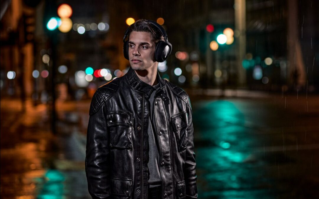 Bowers & Wilkins presenta los auriculares inalámbricos edición especial PX7 Carbon Edition para celebrar una década de éxitos en auriculares.