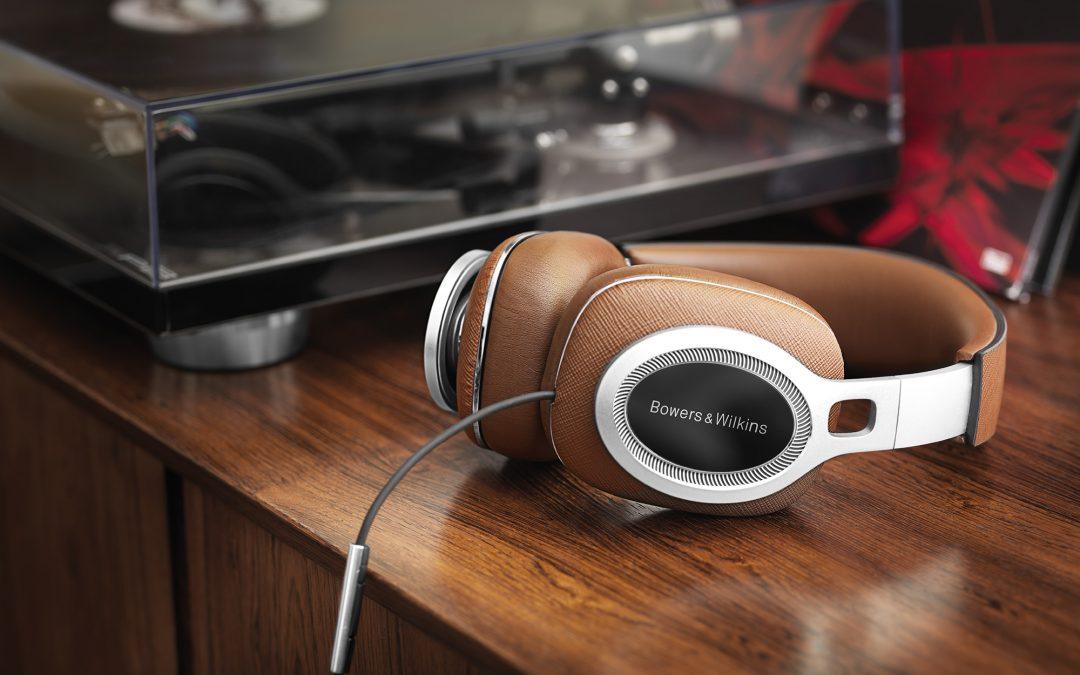 Bowers & Wilkins presenta los P9 Signature, sus auriculares más ambiciosos, musicales y lujosos hasta la fecha